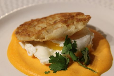 Poached eggs with Carrot & Potato Puree and toasted brioche bun on top