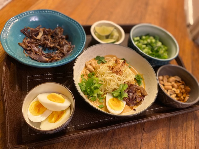 "Burmese dish "" Khow Suey "" or Khao Suey"